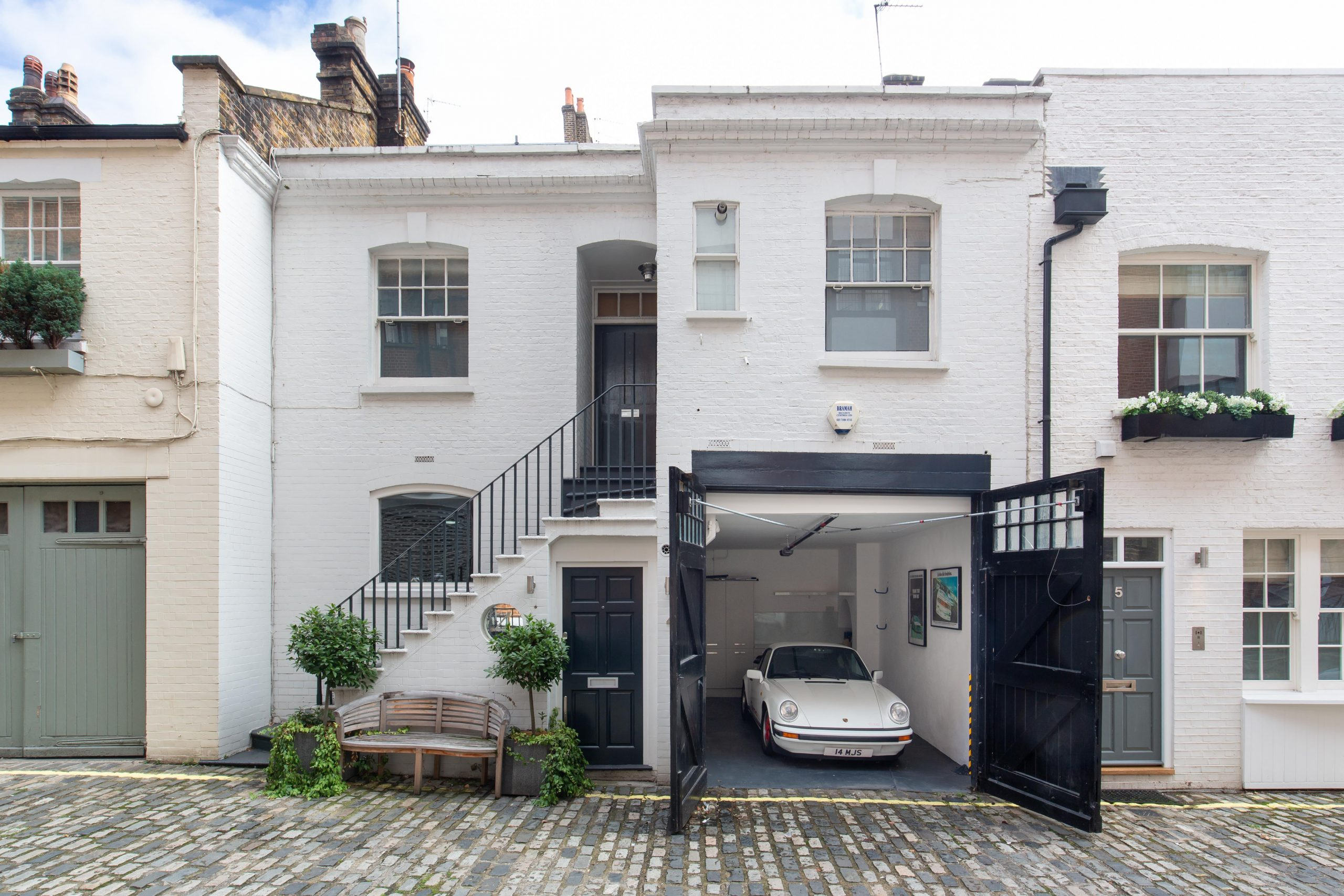 Dunstable Mews, Marylebone, W1G